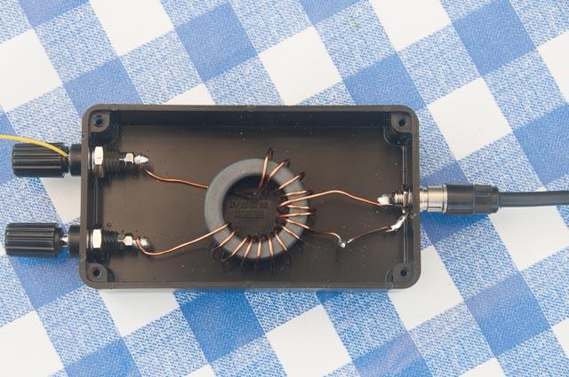 EFHW transformer inside its box